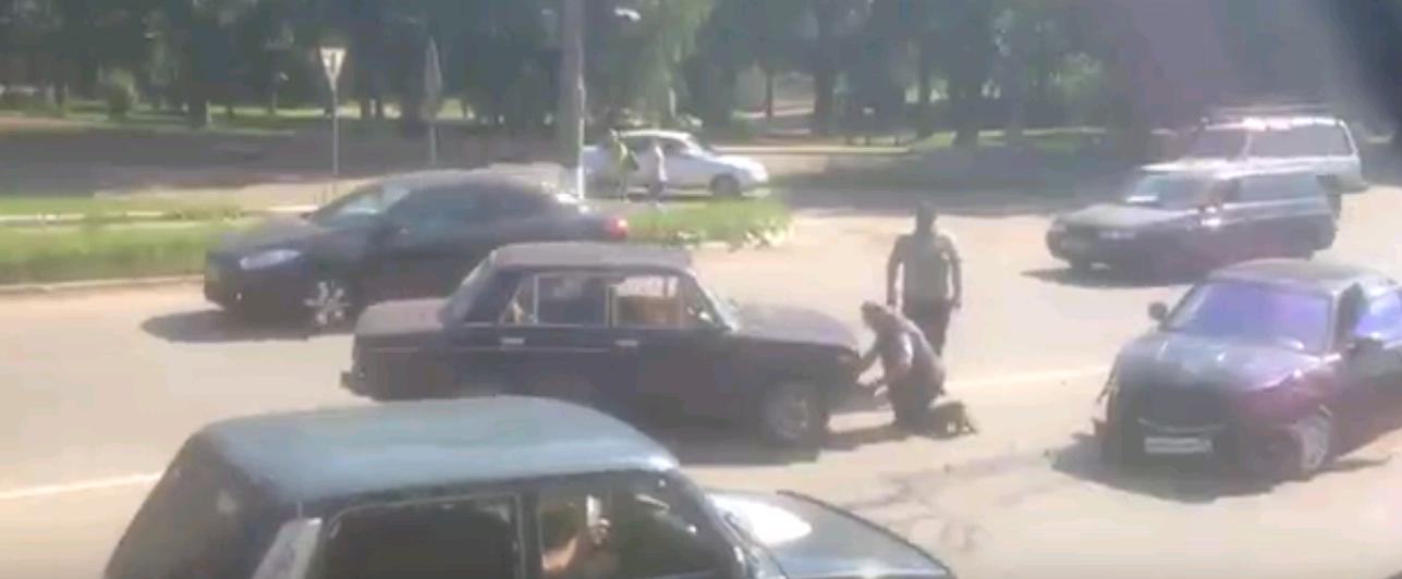 Массовое ДТП в Чепецке: на проспекте Мира столкнулись пять машин