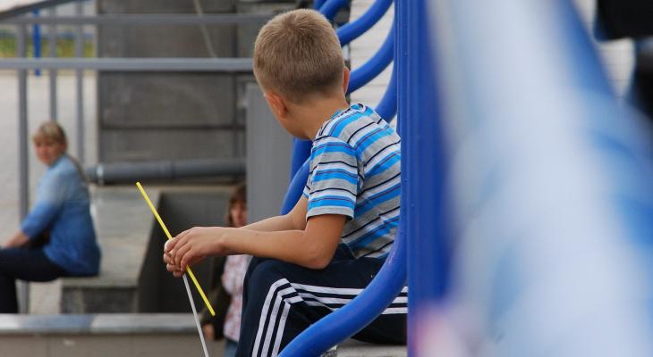 Возле чепецкой администрации нашли  двух потерявшихся детей