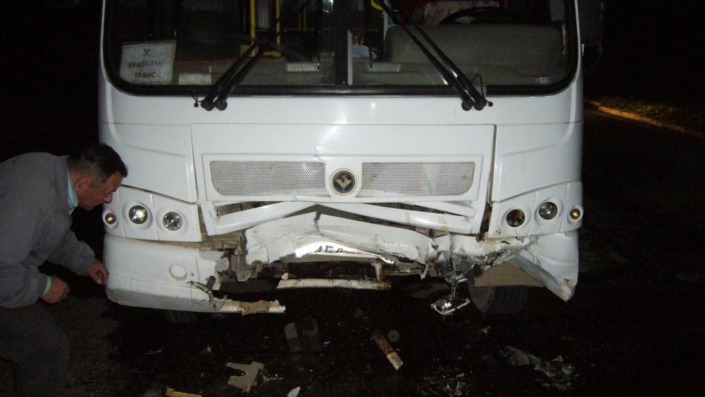 В Чепецке автобус врезался в иномарку: появились новые подробности ДТП