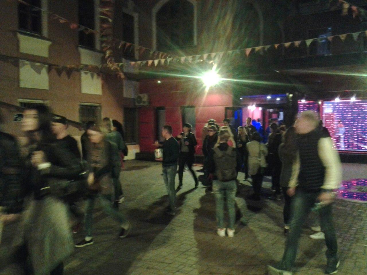 В Кирове одновременно эвакуировали посетителей клубов, кинотеатров и ТЦ