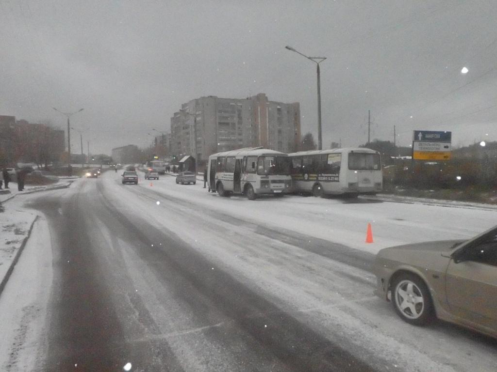 Из-за столкновения ПАЗиков в Чепецке четыре человека госпитализированы
