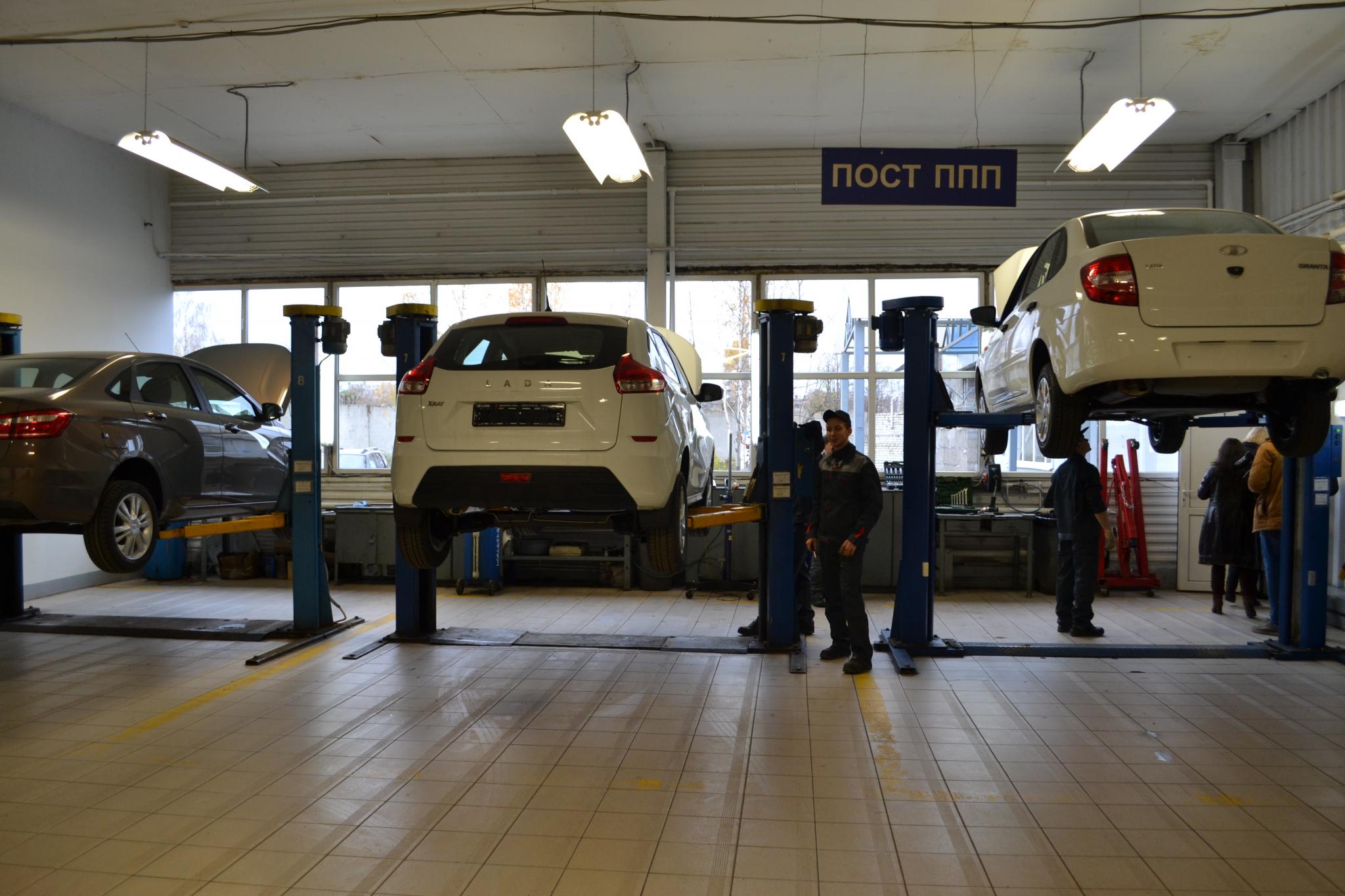 Чепецкая гостиница покупает два авто за 1,5 миллиона рублей