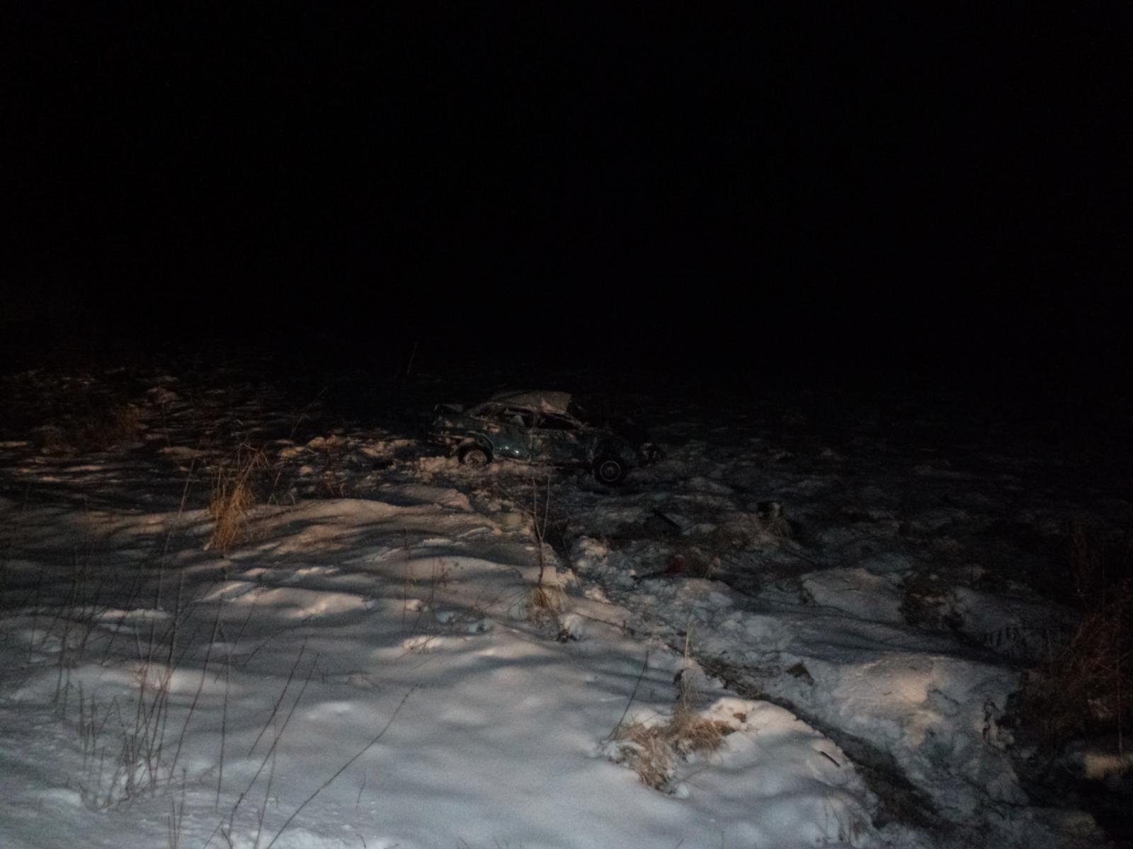 В Чепецком районе авто съехало в кювет и перевернулось