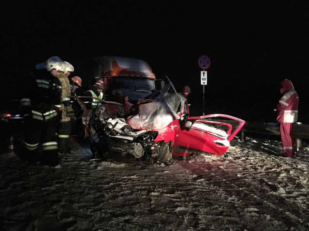 На трассе в Кировской области в ДТП погибли два человека