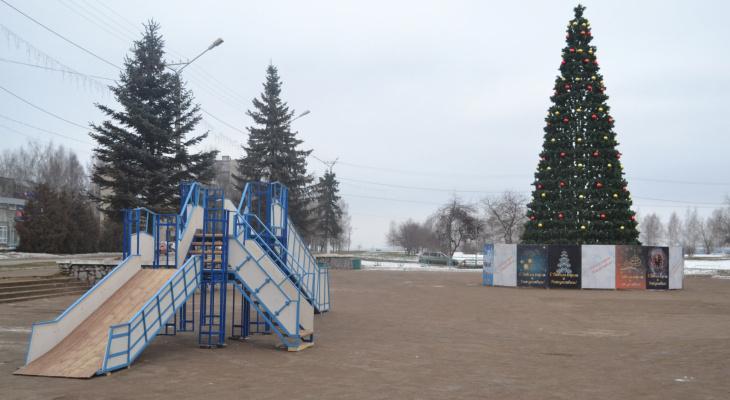 Елка у администрации Чепецка заняла 4 место во всероссийском конкурсе