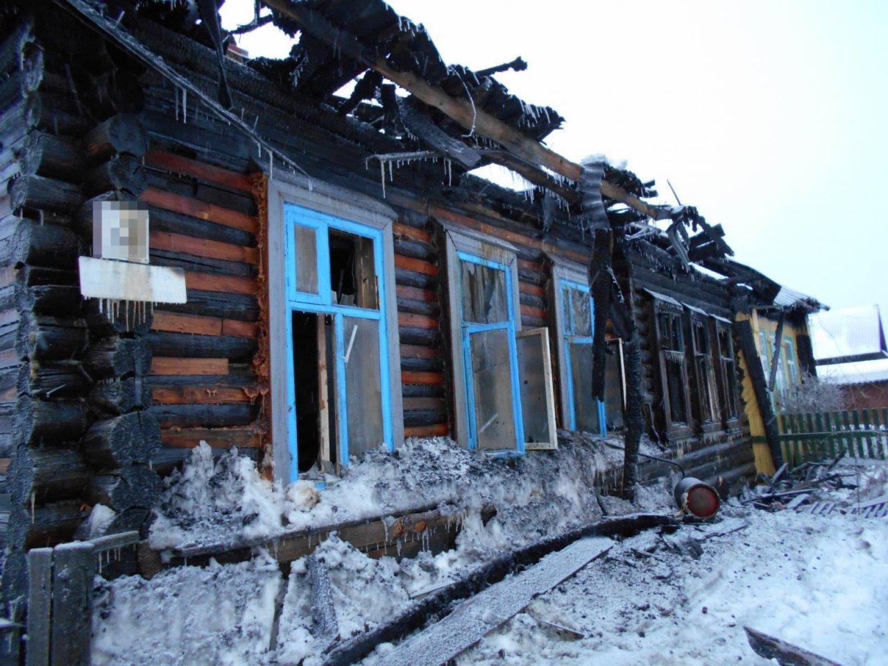 В Кировской области в пожаре погибли два человека