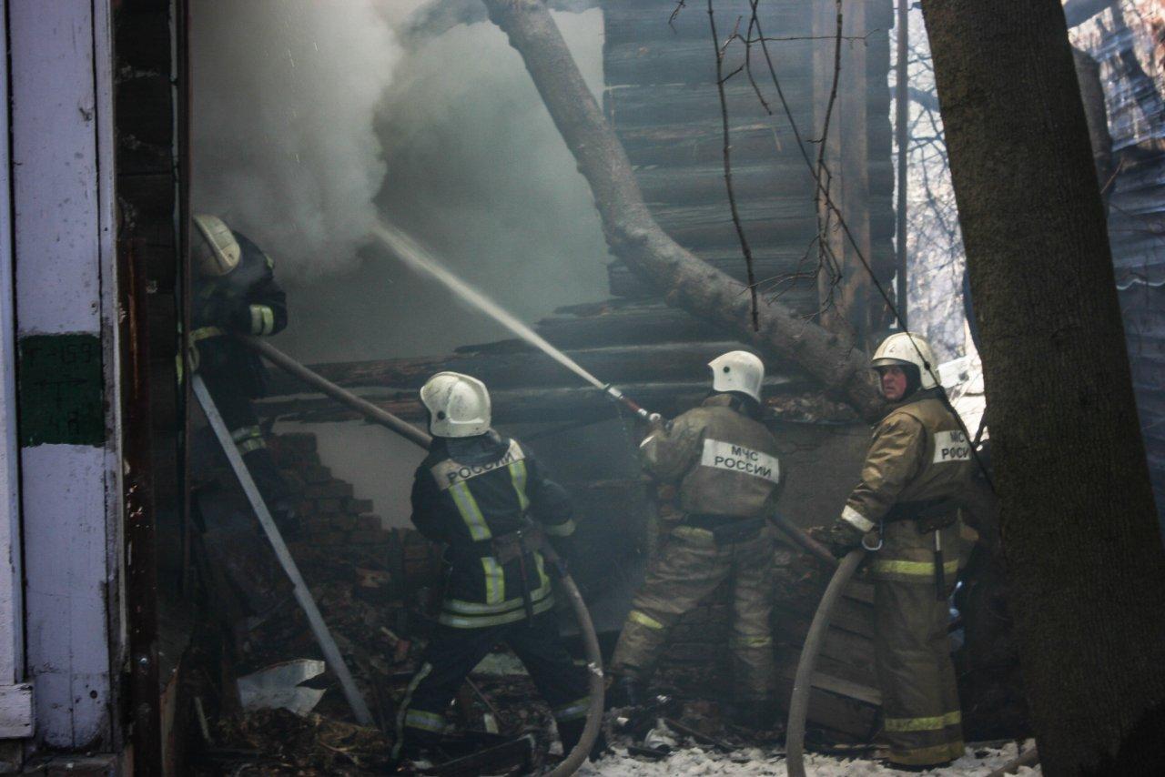 На Сосновой в пожаре в коммунальной квартире пострадала женщина