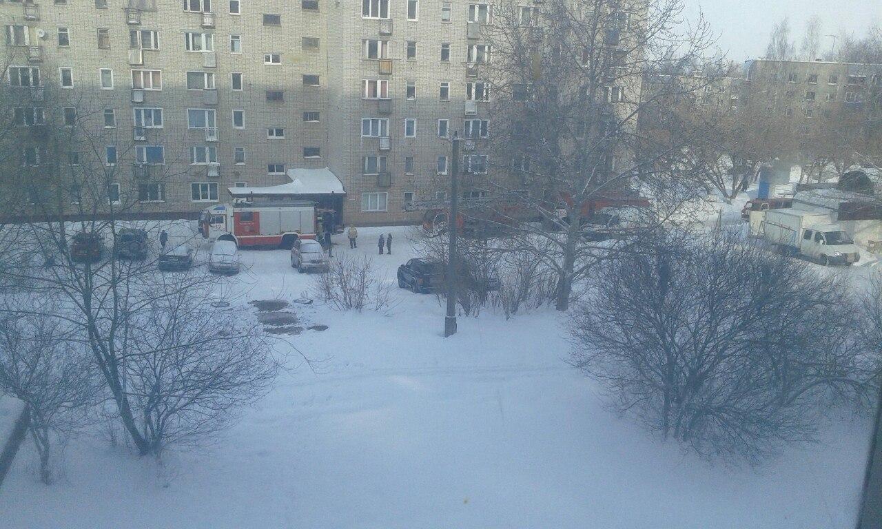 В Чепецке на улице Ленина загорелась квартира
