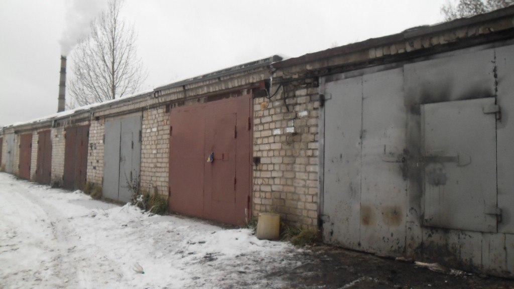 В администрации Чепецка объяснили, зачем сносят временные гаражи
