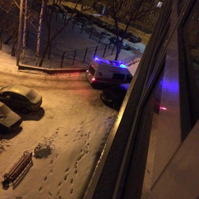 В Кирове двухлетний ребенок выпал из окна четвертого этажа