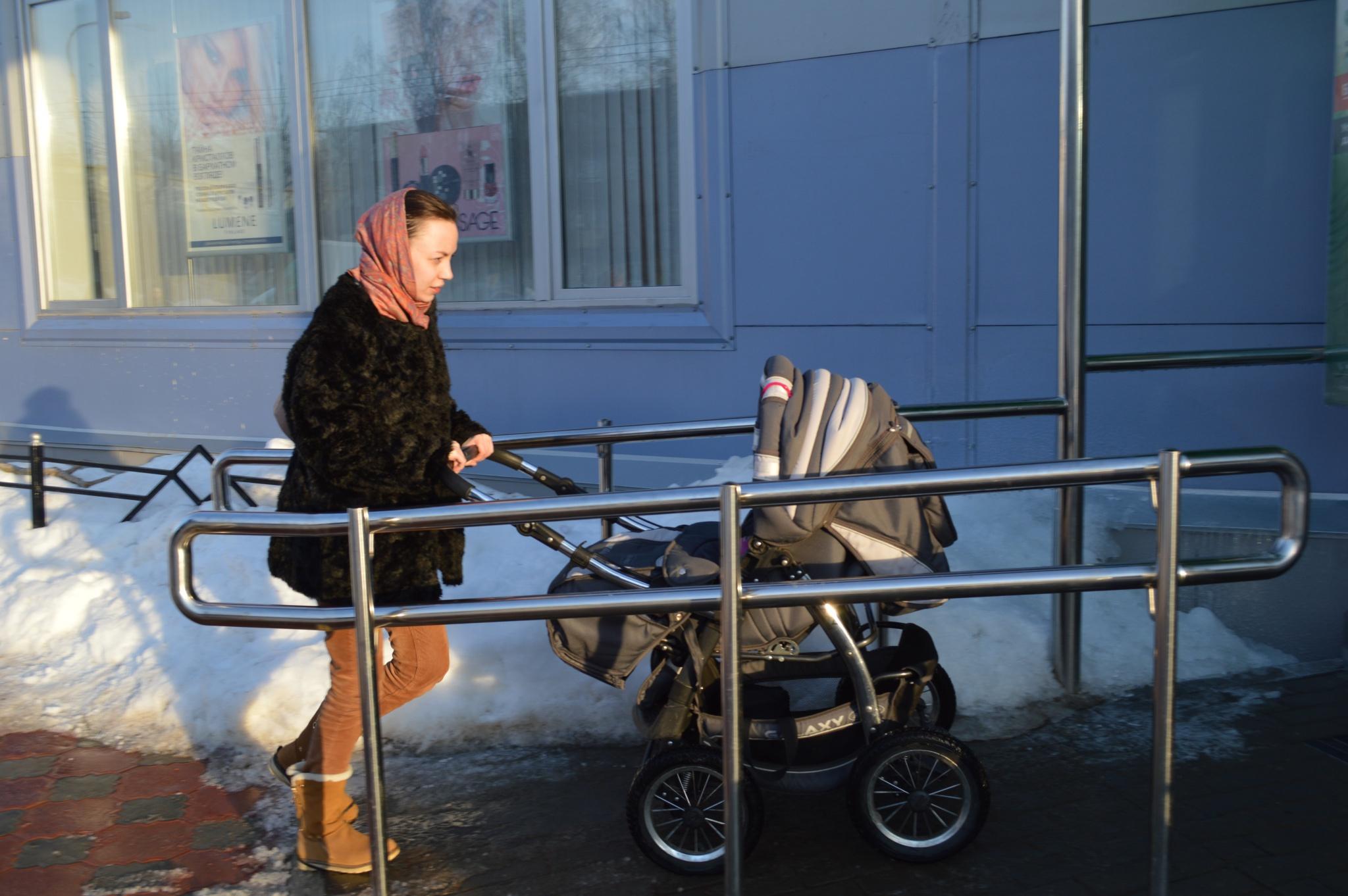 Испытано на себе: легко ли в Чепецке прогуляться с детской коляской?