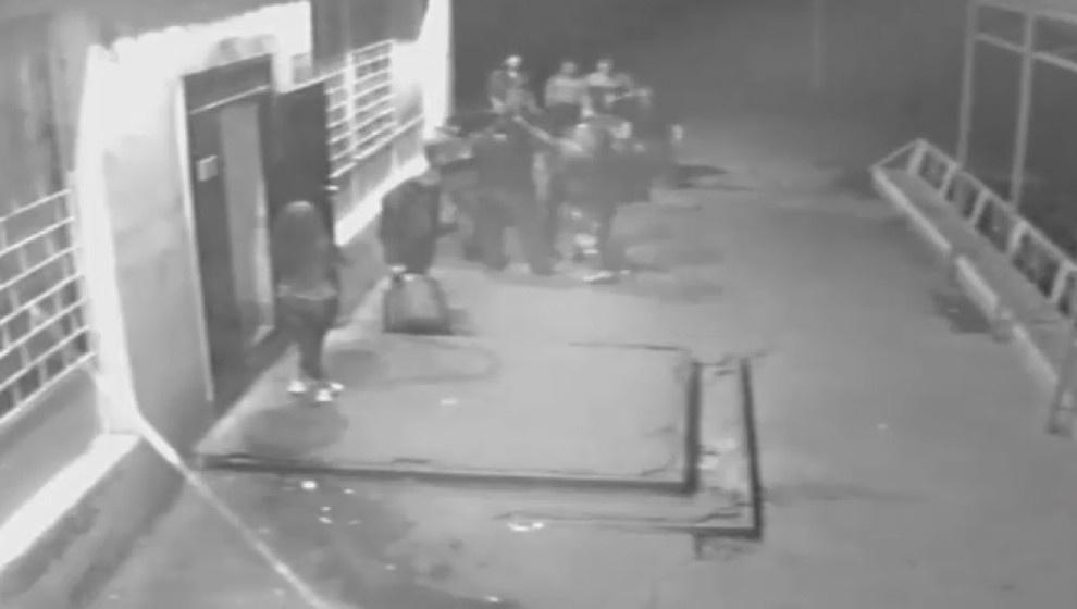 В Кировской области наркополицейские избили посетителя кафе