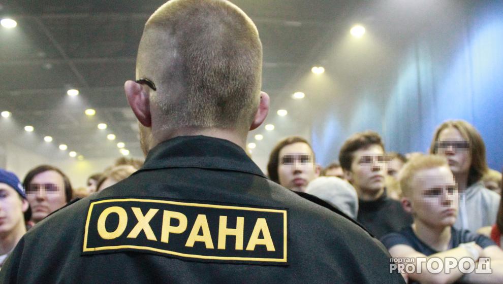 Два парня пожаловались в прокуратуру на то, что их не пустили в кировский гей-клуб