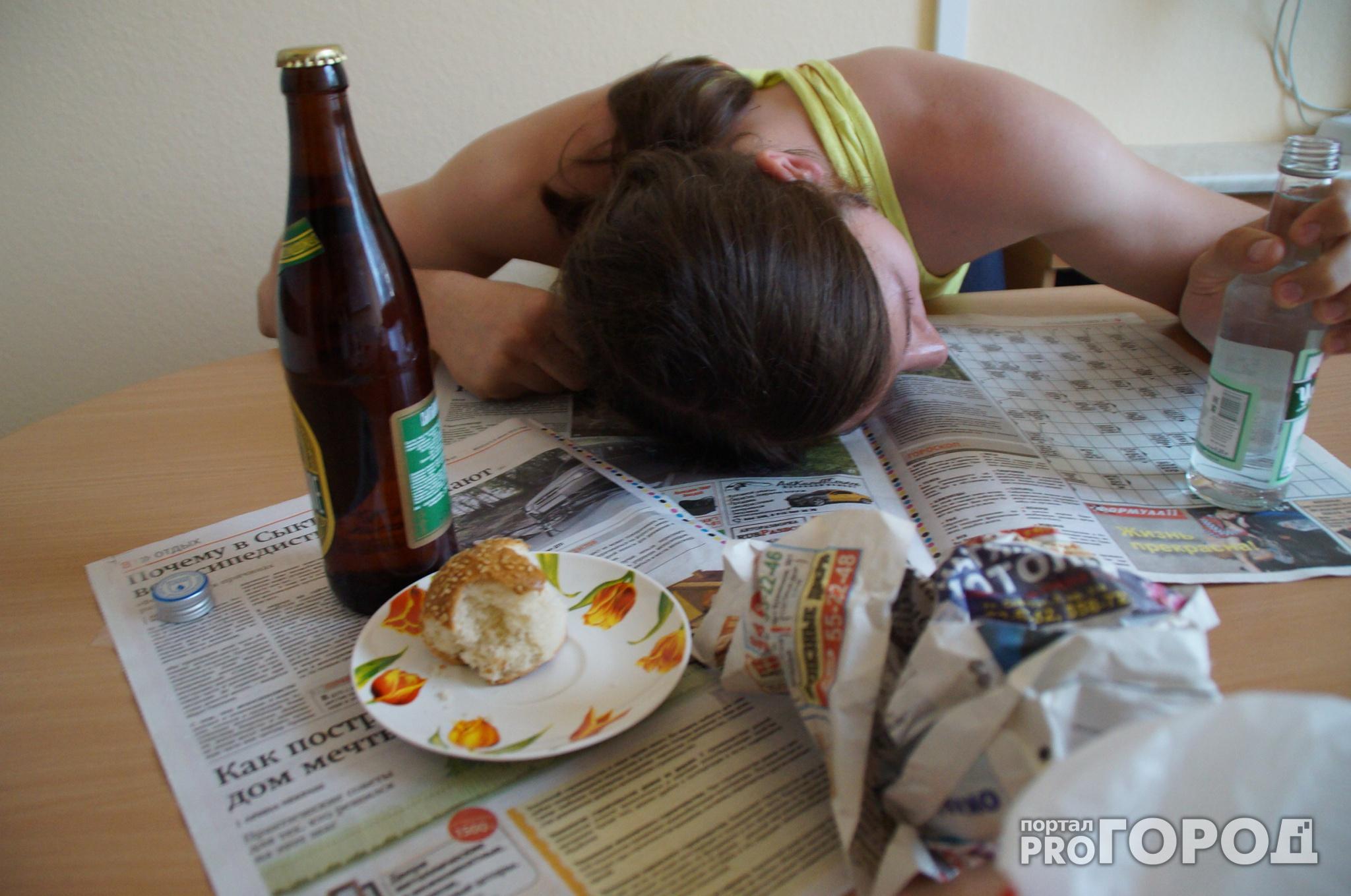 Чепчанка получила штраф за то, что пила пиво с дочерью сожителя