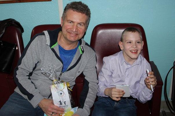В Кирове Леонид Агутин исполнил мечту 8-летнего мальчика, больного ДЦП