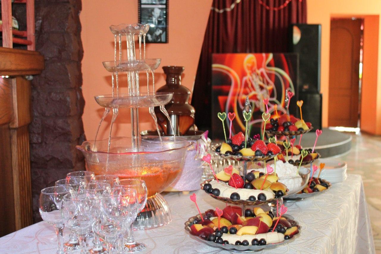 Зачем платить больше? Кафе «Каприз» организует праздник, как в ресторане!