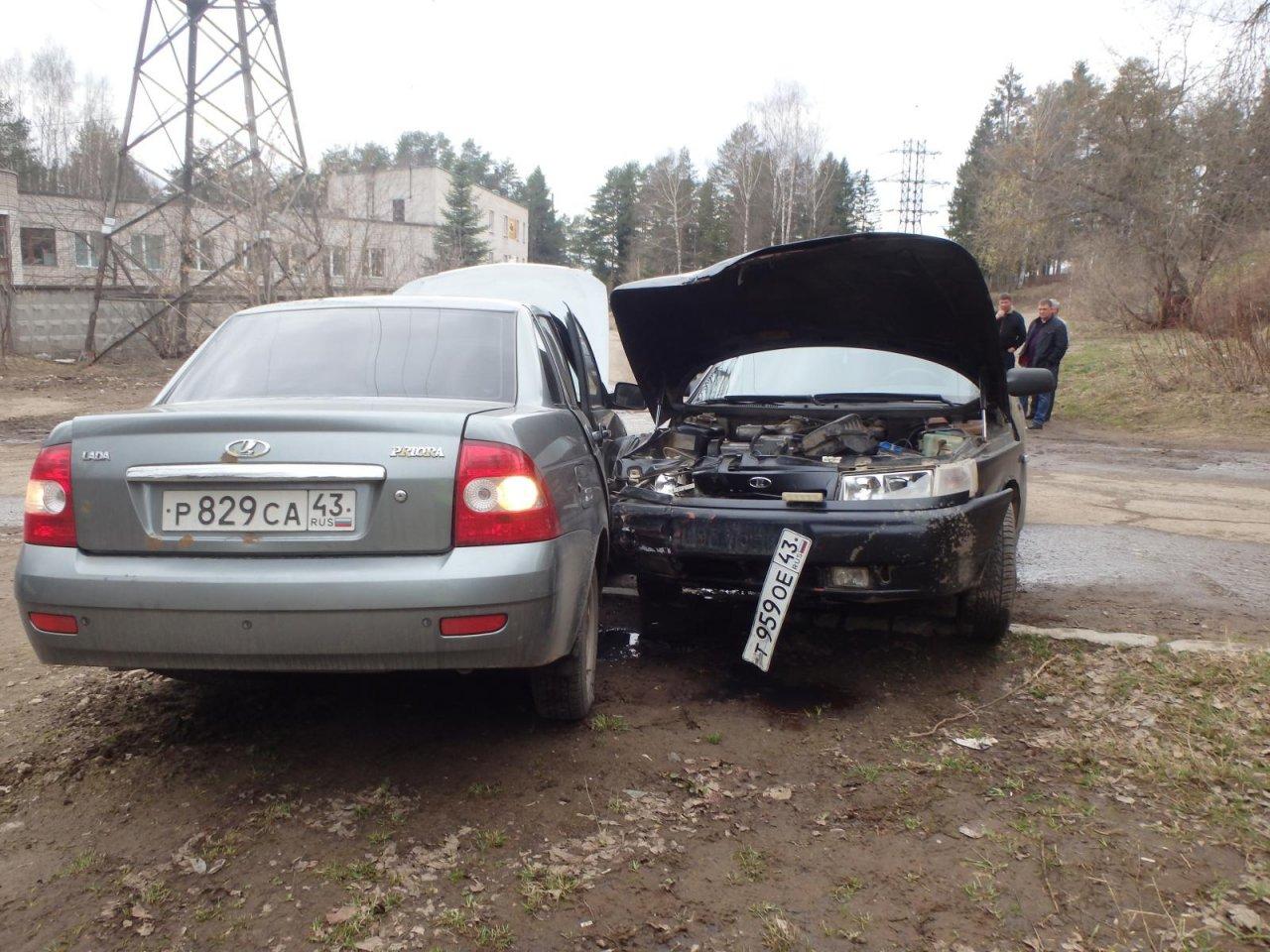 В Чепецке столкнулись две «Лады»: у виновника взяли кровь на анализ