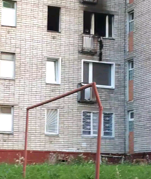 В Чепецке третий раз за месяц горит квартира в малосемейке на Ленина
