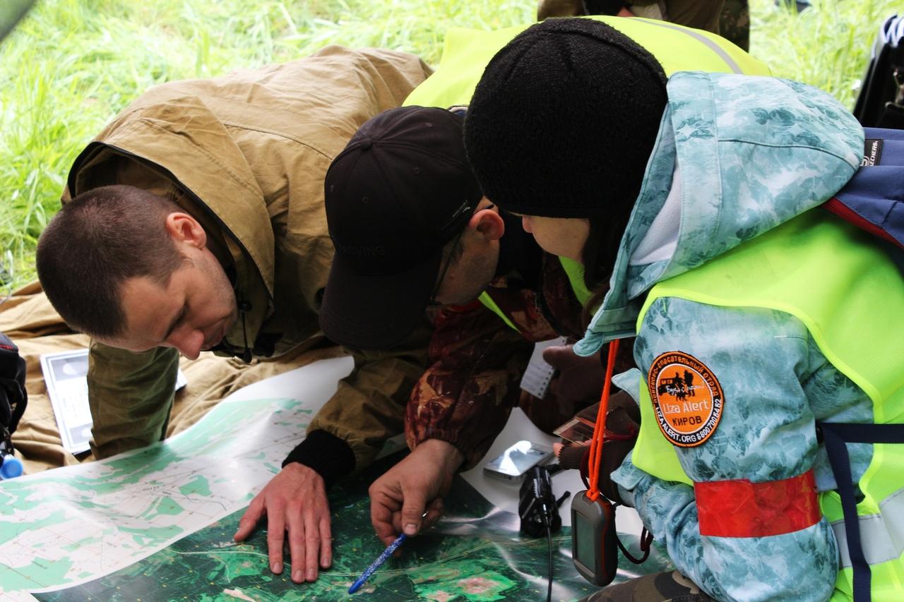 В Кировской области мужчина заблудился в лесу и провел там почти сутки
