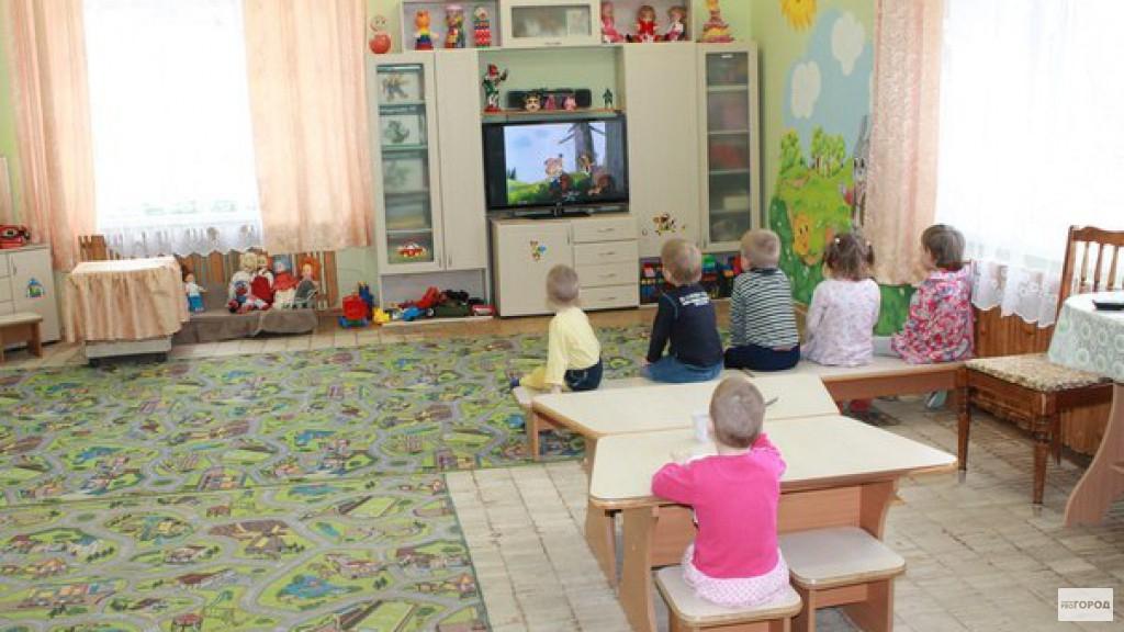 «Несите подушки, градусник и моющие средства»: чепчане рассказали, что просят в детских садах