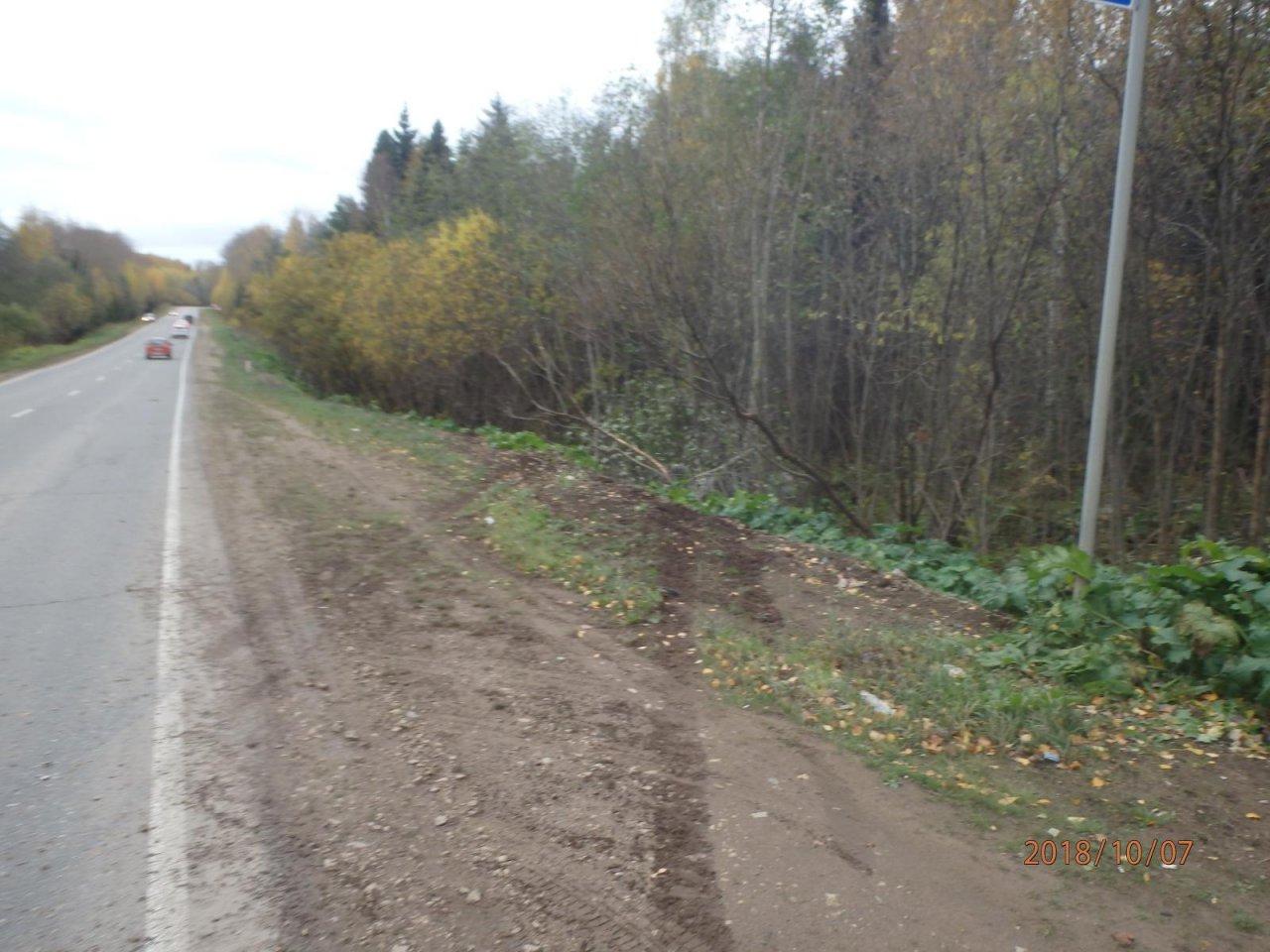 В Чепецком районе на трассе перевернулась иномарка: водитель сбежал