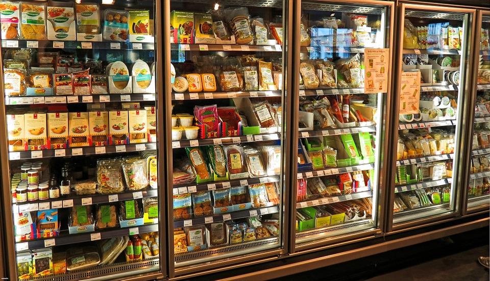 В Чепецке закрывают еще два мелких продуктовых магазина