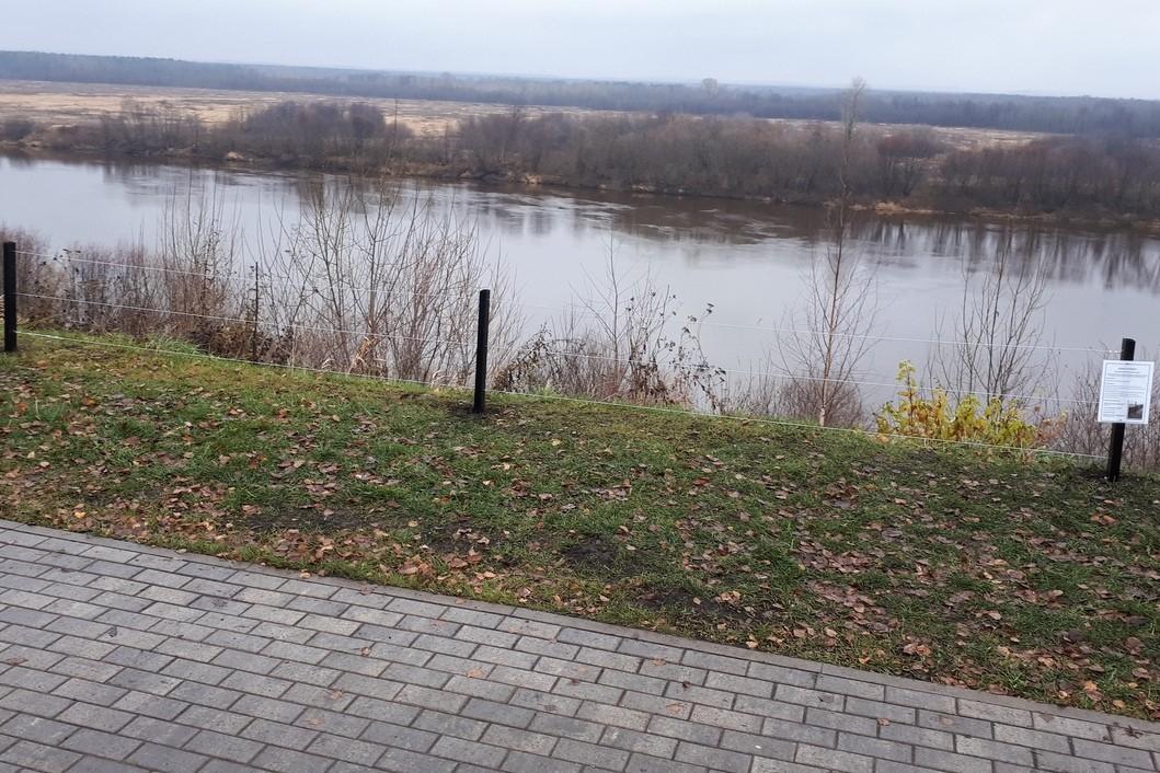 На Вятской набережной в Кирово-Чепецке появились тестовые ограждения