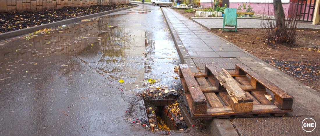 В Чепецке почистили ливневую канализацию