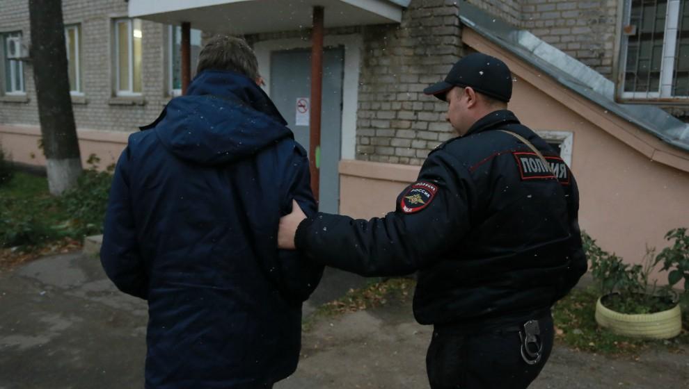 В Чепецке у местного жителя изъяли несколько пакетов с наркотиками