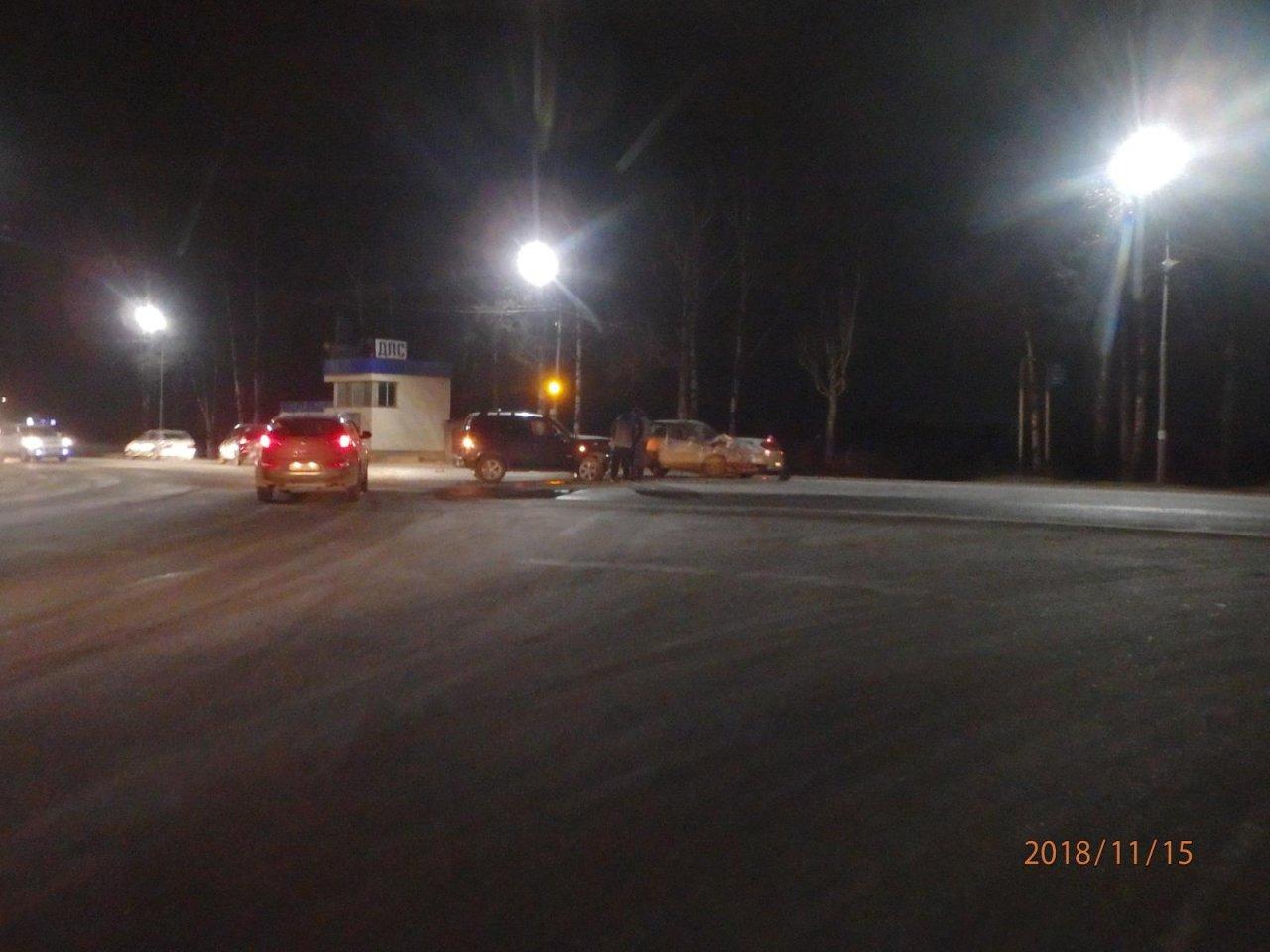 В Чепецке у поста ДПС Chevrolet не пропустил ВАЗ: пострадала девушка