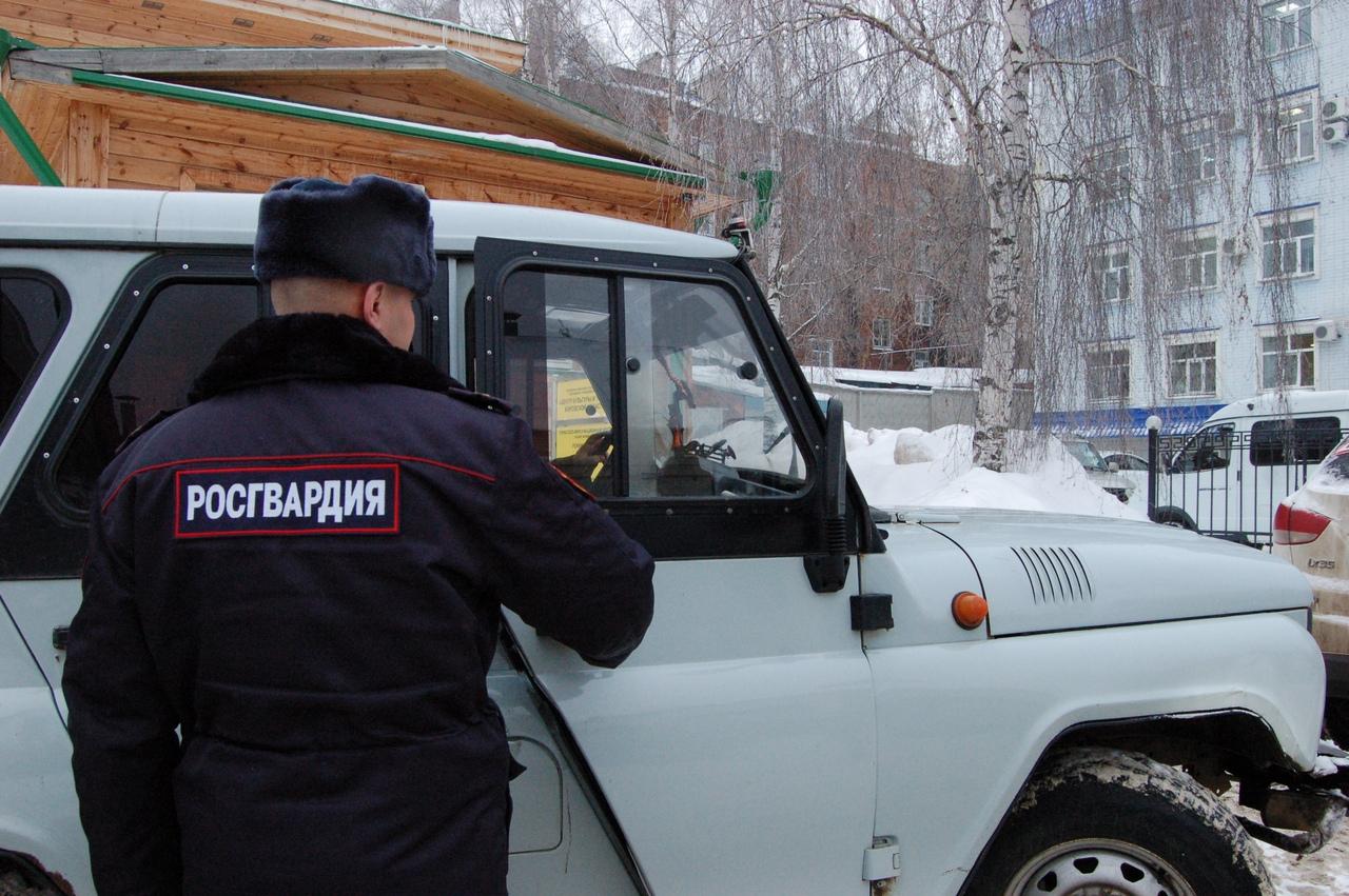 В Чепецке задержали двух молодых людей, подозреваемых в хранении запрещенных веществ