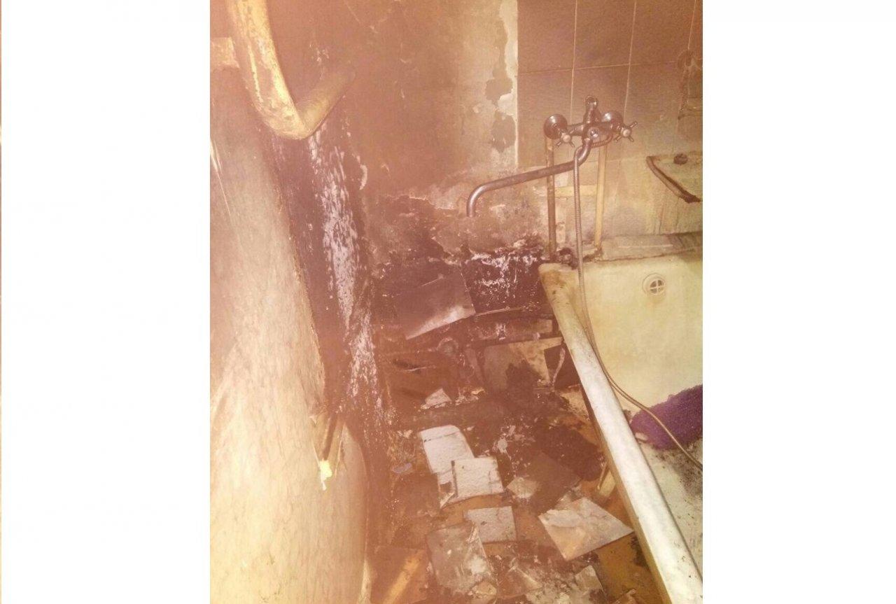 В Чепецке загорелась квартира: спасатели попали внутрь через балкон