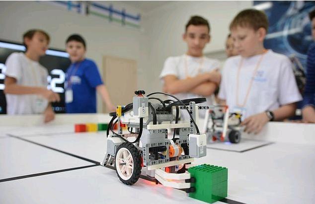 В Чепецке талантливые дети получили денежные премии