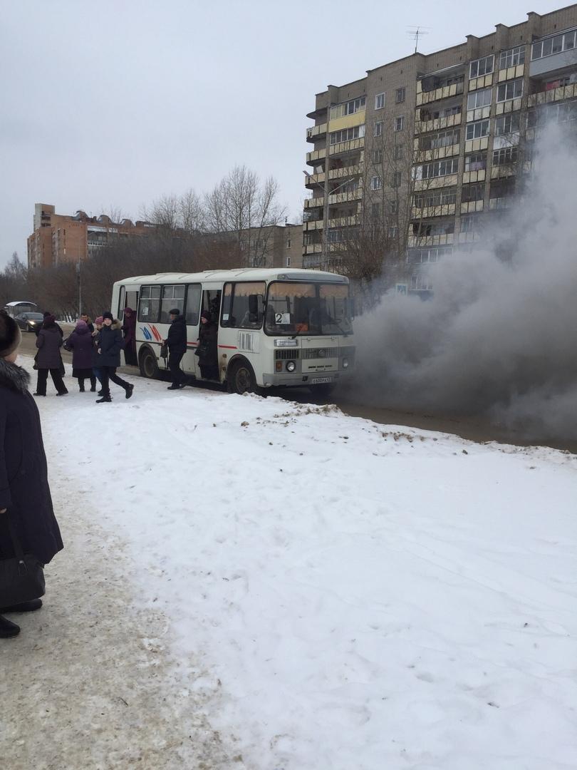 В Чепецке задымился автобус с пассажирами
