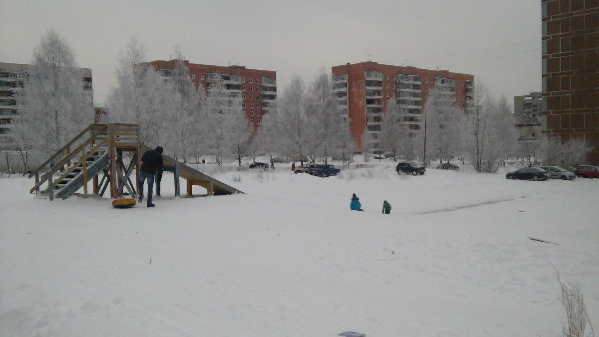 Сотрудники ГИБДД проверят ледяные горки в Чепецке