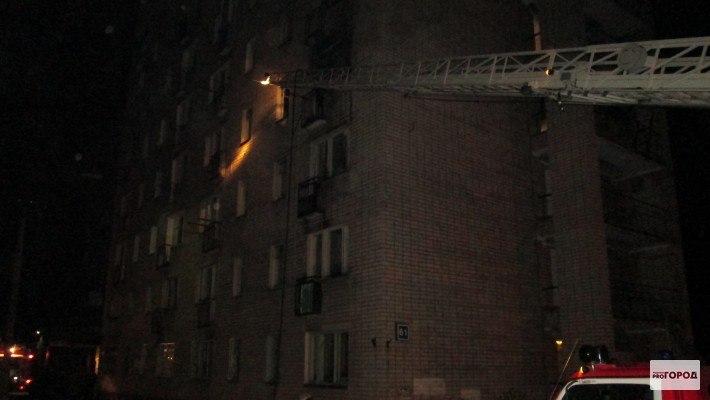 В Кирово-Чепецке загорелся подъезд жилого дома