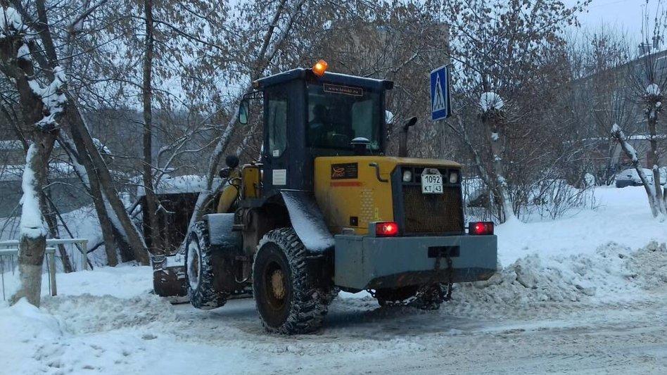 В Чепецке начнется очистка парковочных карманов от снега
