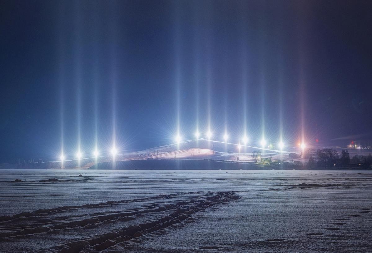 В Кировской области сфотографировали световой лес