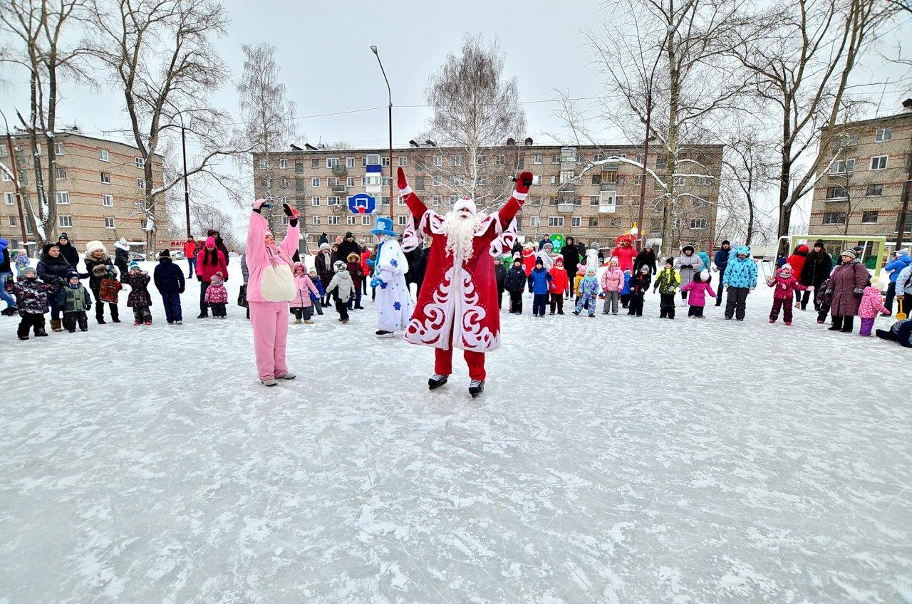 «УРАЛХИМ» поддержал праздники «Елка в каждый двор» в Кирово-Чепецке