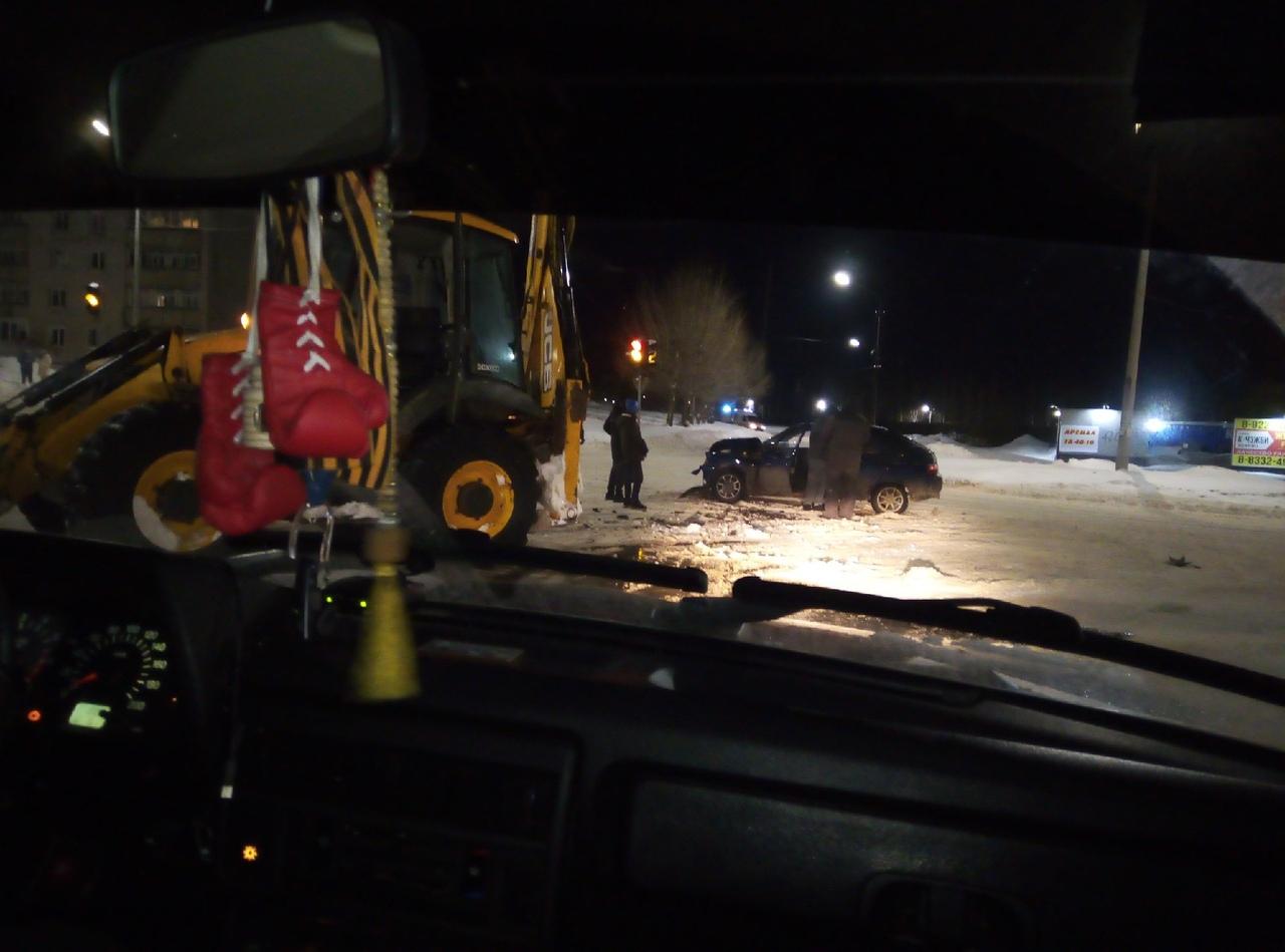 В Кирово-Чепецке произошло ДТП со снегоуборочной техникой