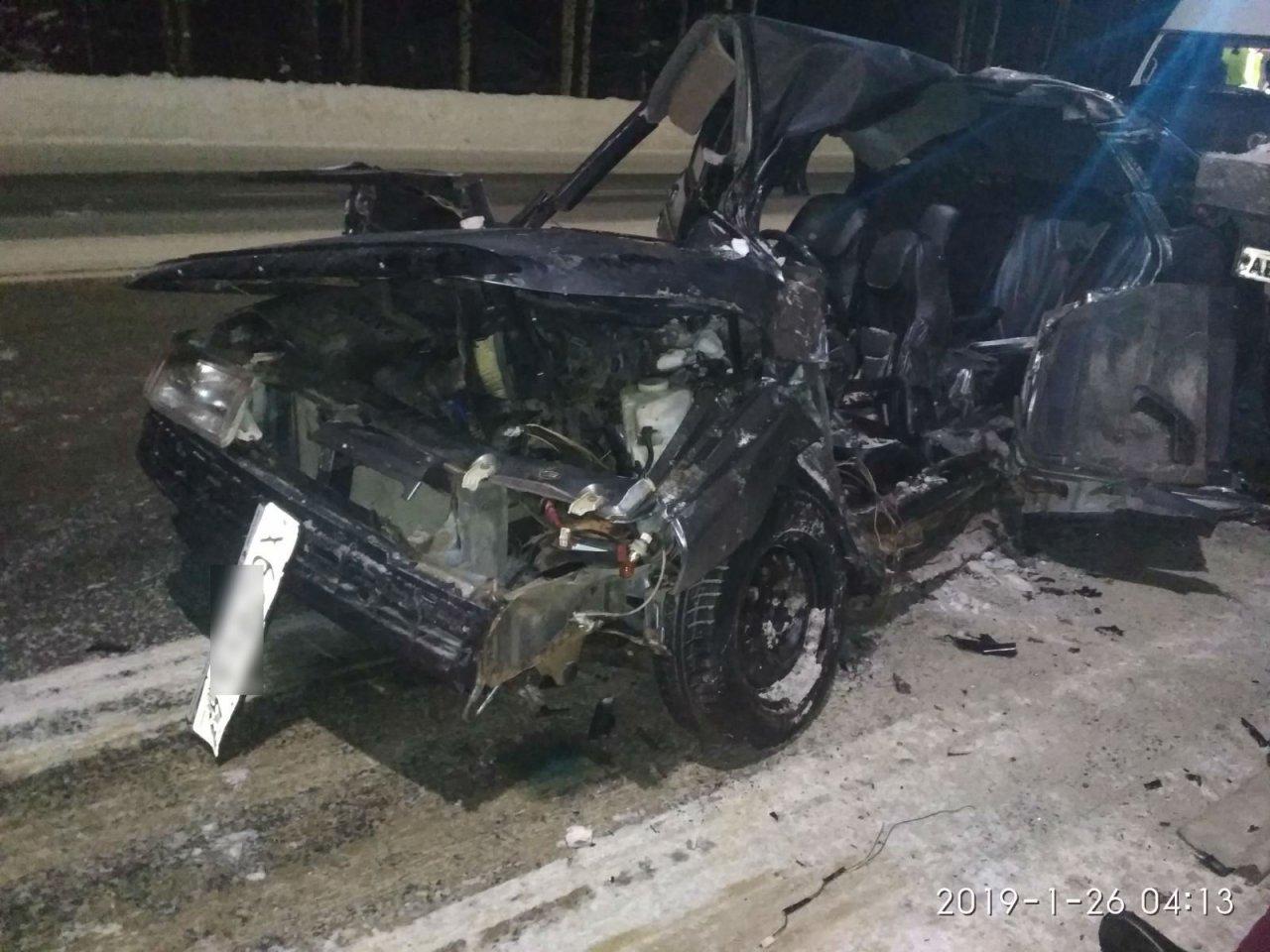 В Кировской области двое мужчин погибли в аварии