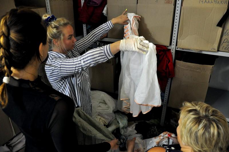 Центр социальной помощи помог семье, оставшейся без жилья после пожара в Каринторфе