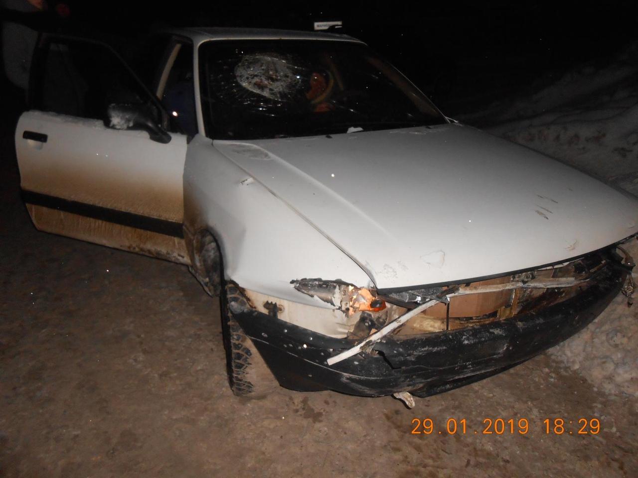 В Чепецком районе студентка на Audi влетела в ограждение