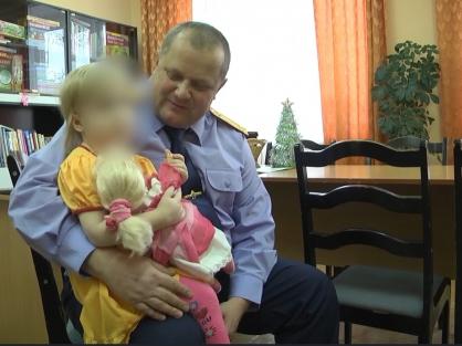 Завершено расследования в отношении чепчанки, которая избивала 4-летнюю дочь