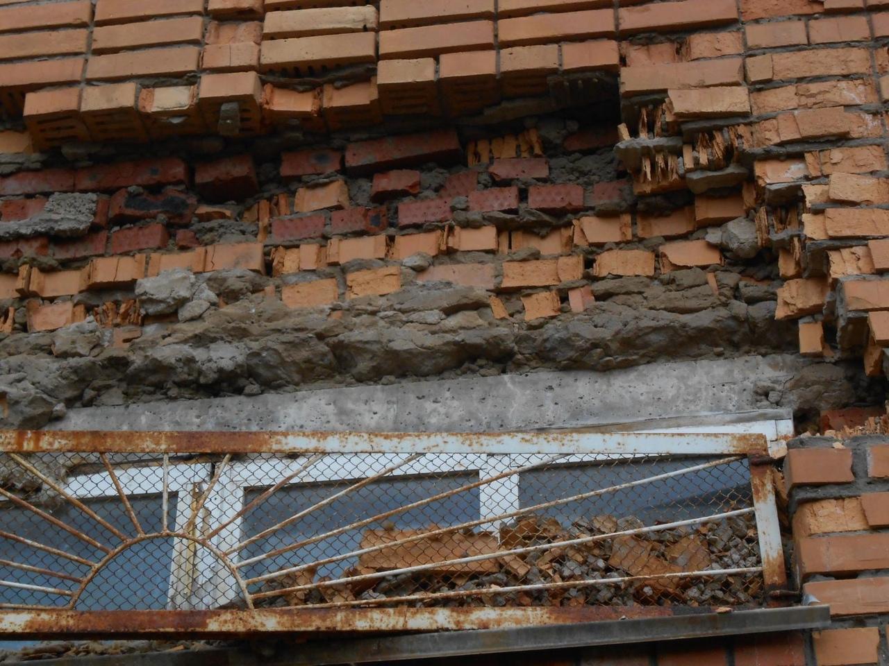 В Кирово-Чепецке рушится стена школы: проверка слухов
