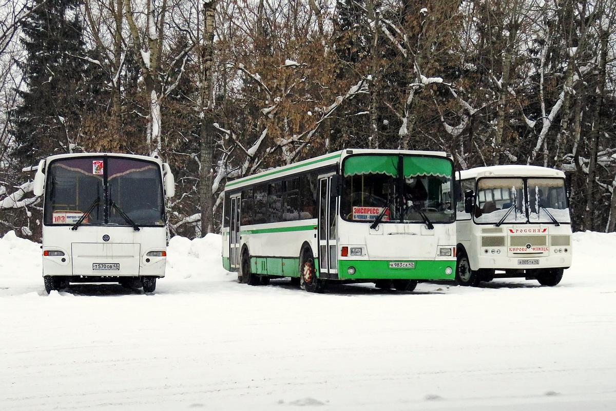В Чепецке из-за плохой дороги отменили один из автобусных маршрутов