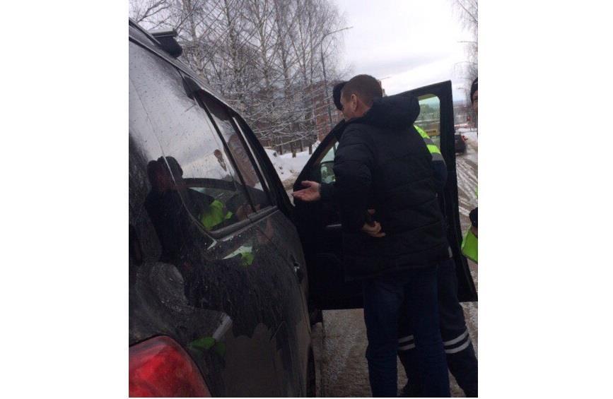 Утром в Чепецке задержали водителя Toyota Land Cruiser с признаками опьянения
