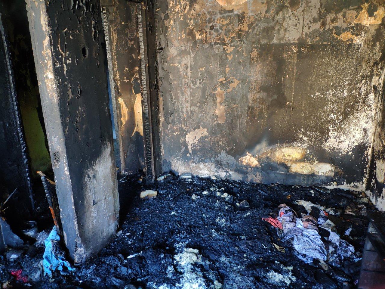 При пожаре в малосемейке на улице Ленина хозяин квартиры получил ожоги