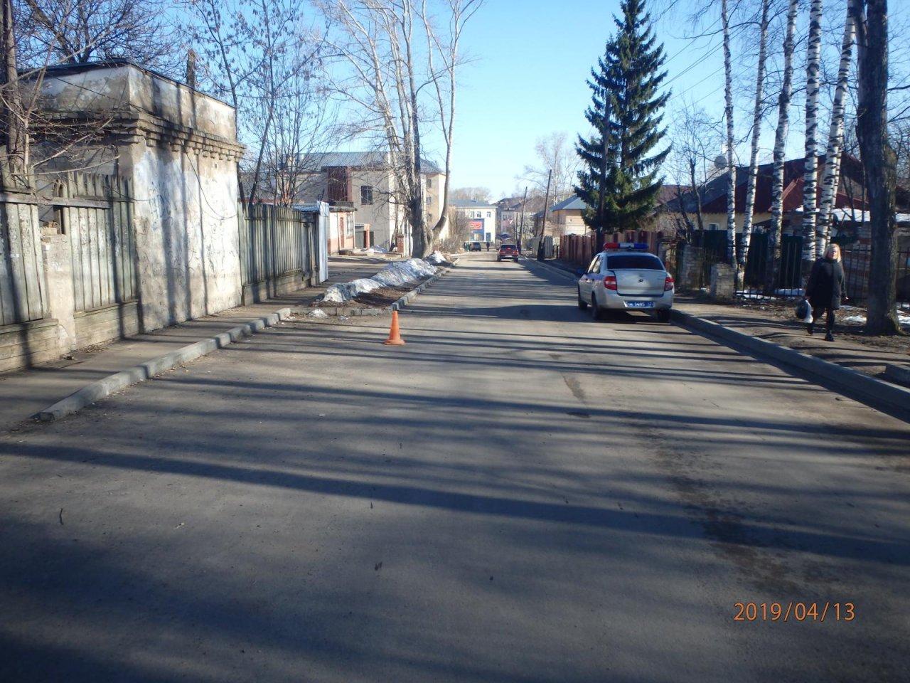 В Кирово-Чепецке неизвестный водитель сбил мужчину и скрылся