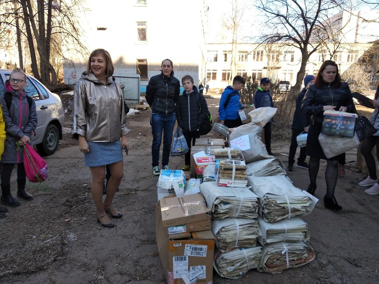 Гимназисты из Чепецка собрали макулатуру: на вырученные деньги обустроена комната отдыха